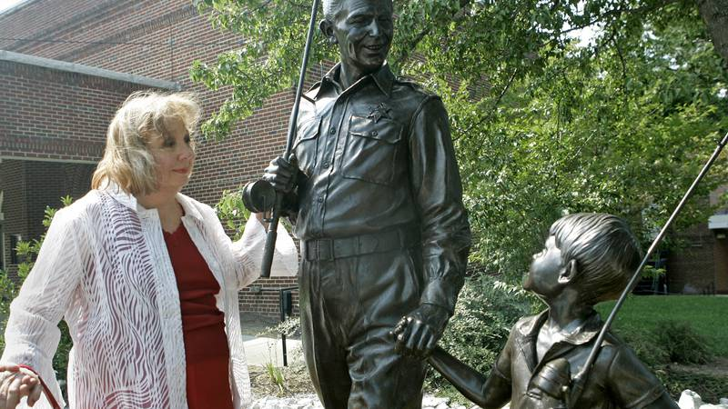 """FILE - In a  Sept. 6, 2007 file photo, Betty Lynn, who played Thelma Lou on """"The Andy Griffith..."""