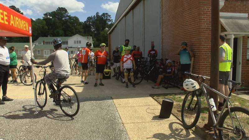 There was over 30 cyclists who came out to the Memorial Day bike ride.