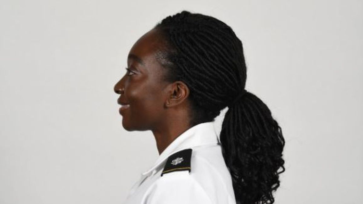 Female Soldiers can now wear ponytails in uniform