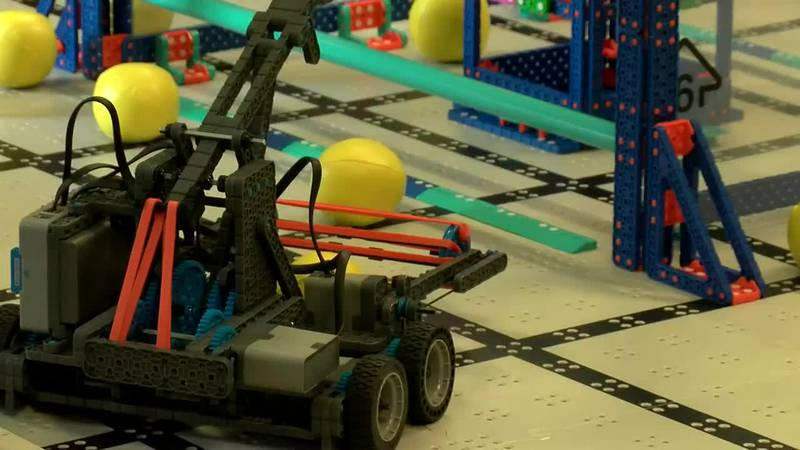 MPS teachers get lessons from HMMA to help start robotics teams