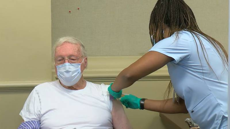 People in Tennessee and Florida are lining up for the COVID-19 shot after health officials in...