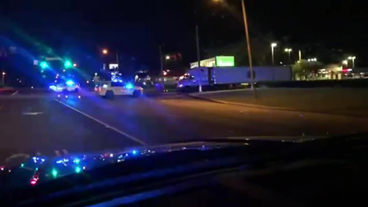 Hoover PD: Search for suspect who fired shots at officers