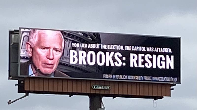Billboard calls for Mo Brooks to resign