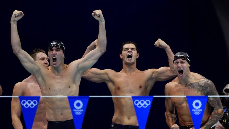 The United States' men's 4x100-meter medley relay team, from left, Ryan Murphy, Zach Apple,...