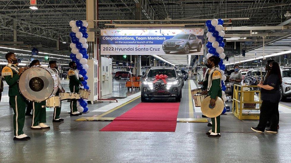 Hyundai Motor Manufacturing Alabama began producing the all-new 2022 Santa Cruz Tuesday.