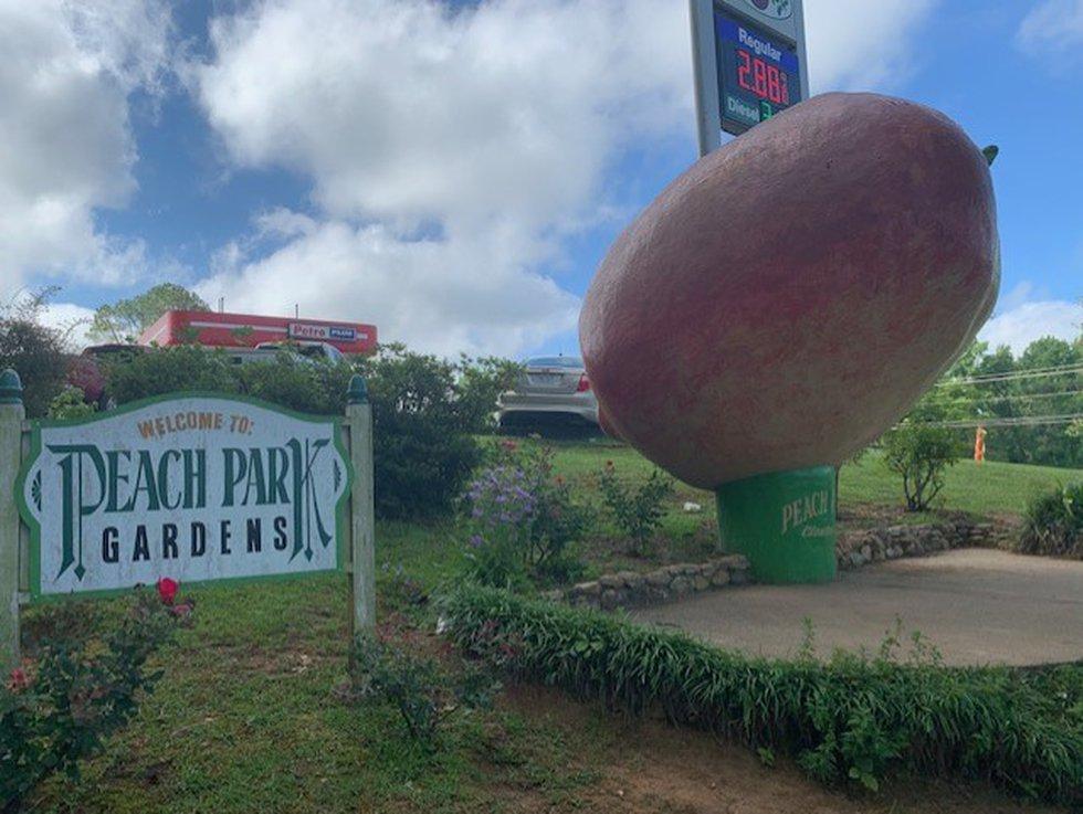 Peach Park in Clanton
