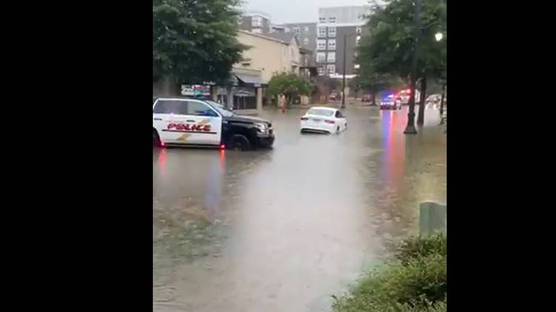 Flooding on Bryant Dr in Tuscaloosa