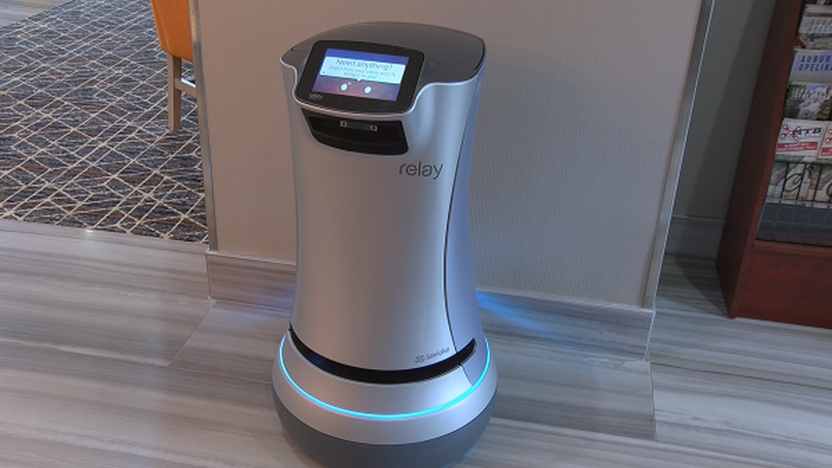 Meet TigerBot, the robot that brings guests of one Opelika hotel their room service.