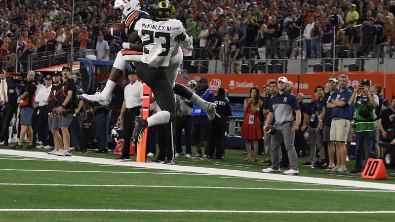 Auburn's Seth Williams catches a touchdown to win the game.Auburn vs Oregon on Saturday Aug....