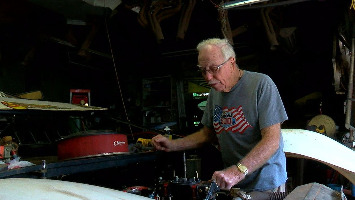 Alabama racing legend Red Farmer is being inducted into the NASCAR Hall of Fame.