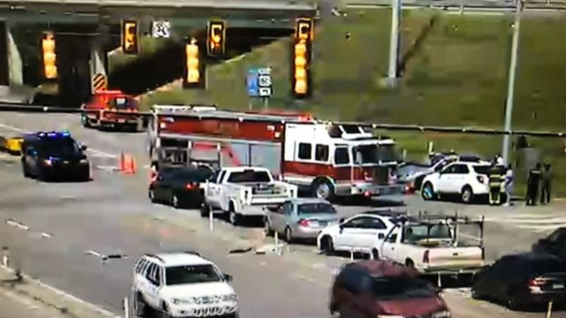 Montgomery police are asking motorists to avoid traveling in the area of Chantilly Parkway...