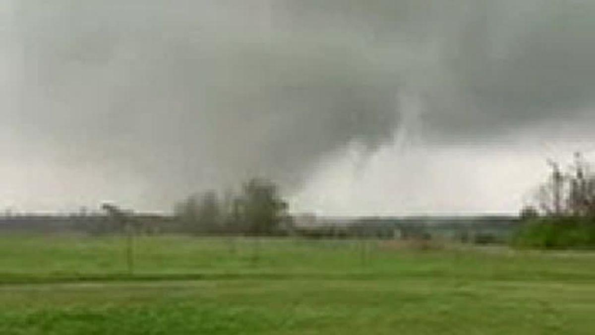 Tornado sighting in Ohatchee